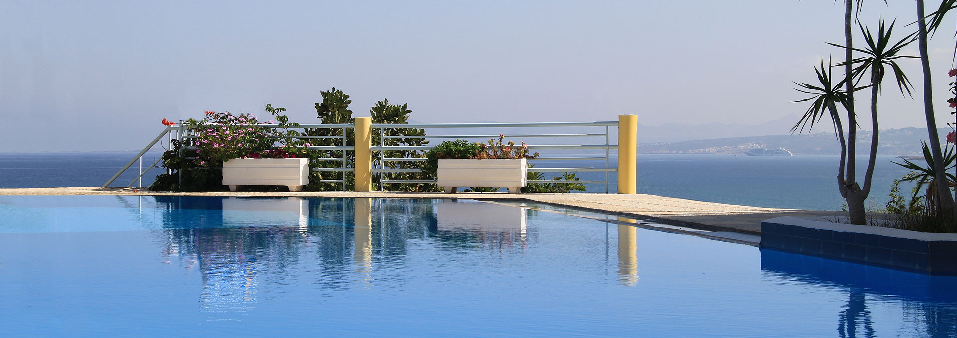 Hotels In Chania Hermes Apartments And Hermes Beach